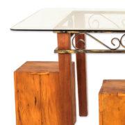 conjunto-de-mesa-e-4-puffs-de-madeira-com-tampo-de-vidro