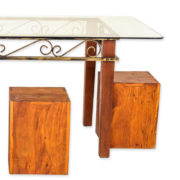 conjunto-de-mesa-e-4-puffs-de-madeira-com-tampo-de-vidro2