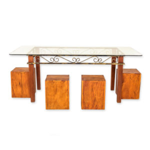 conjunto-de-mesa-e-4-puffs-de-madeira-com-tampo-de-vidro3